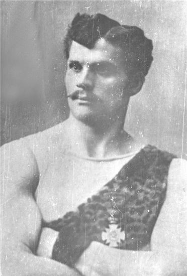 Эмиль Фосс атлет и борец